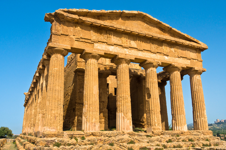 templo: Templo griego antiguo en Segesta Sicilia Italia