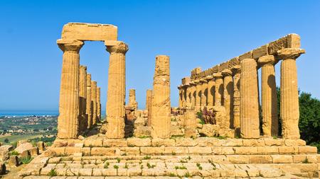 templo: Templo de Hera Juno Lacinia en Agrigento Valle de los Templos Sicilia
