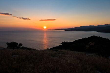 sithonia: Tramonto a bada Toroni vicino alla vecchia fortezza romana, Sithonia, Grecia