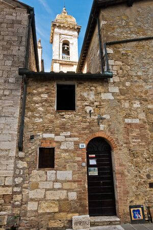 Old medieval stone buildings at San Qurico dOrcia , Siena province, Tuscany, Italy Banco de Imagens