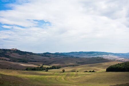 Typical rural landscape panorama at south Tuscany, Siena province, Tuscany, Italy Banco de Imagens