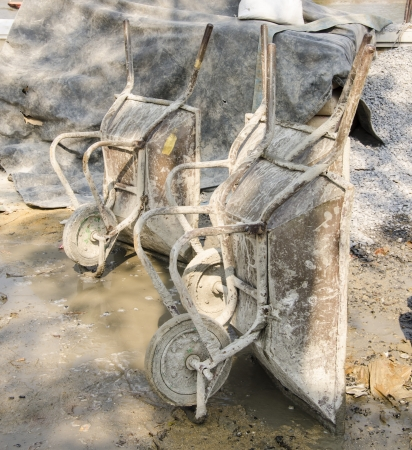 barrow: Concrete Wheel Barrow