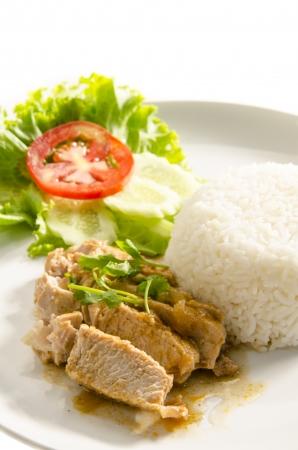 jasmine rice: Carne de cerdo a la plancha con arroz jazm�n Foto de archivo