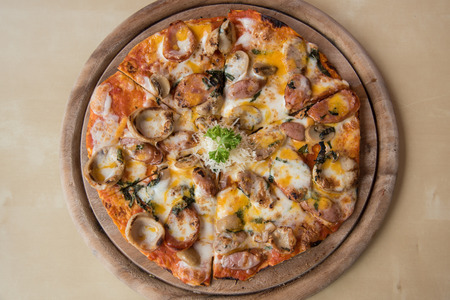 bbq chicken: Meat feast Barbecue pizza with a topping of pepperoni and sausage