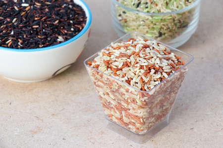 tabel: Brown Rice on Wood Tabel