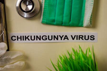 Virus Chikungunya avec inspiration et concept de soins de santé/médical sur fond de bureau Banque d'images