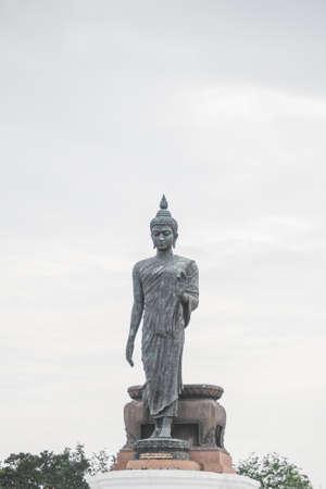 baddha: Buddha statue