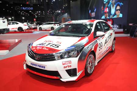 modificar: BANGKOK - June 24 : Toyota Altis with Modify set car on display at Bangkok International Auto Salon 2015 on June 24, 2015 in Bangkok, Thailand.
