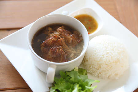 rou: Braised pork and bioled rice in dish