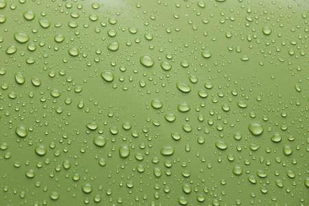 Regendruppel op de auto Stockfoto