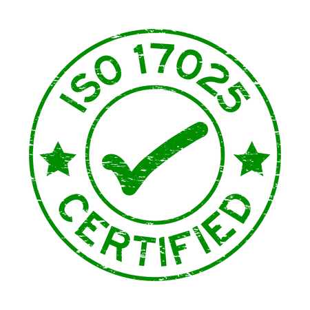Grunge green ISO 17025 certified with mark icon round rubber seal stamp on white background Ilustração