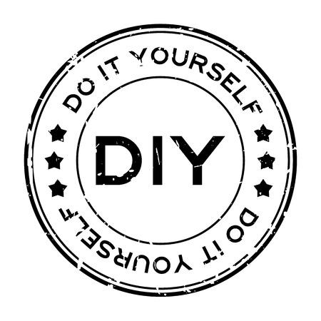 Grunge negro DIY palabra (abreviatura de hágalo usted mismo) sello de sello de goma redonda sobre fondo blanco