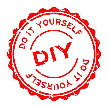 Grunge rotes DIY-Wort (Abkürzung für Do it yourself) Wort runder Siegelstempel auf weißem Hintergrund