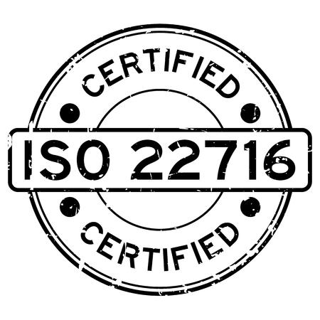 Grunge ISO 22716 certificado palabra redonda sello de sello de goma sobre fondo blanco.