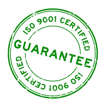 Grunge green iso 9001 certified guarantee word round rubber seal stamp on white background Ilustração