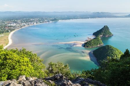 プラチュ アップ キリ カン州タイでカオ Lom Muak