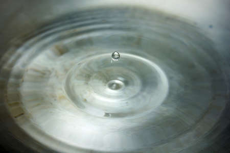 hi speed: Water drop close up ( hi speed shutter picture)