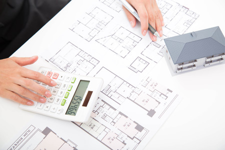 property development: Discussion with real estate agent