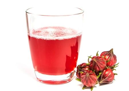 Thé à l'hibiscus est rouge, aigre et sucré