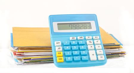 show bill: Calculadora espect�culo n�mero de costa con muchas factura Foto de archivo