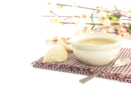 medicina tradicional china: Postre de lujo - taz�n de nido de p�jaro con gingo y nido golondrina seco Foto de archivo