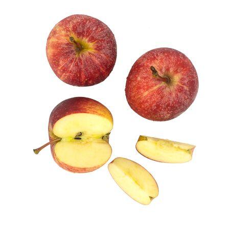 manzana: Vista superior de manzanas rojas frescas - fruta madura aislado fondo blanco