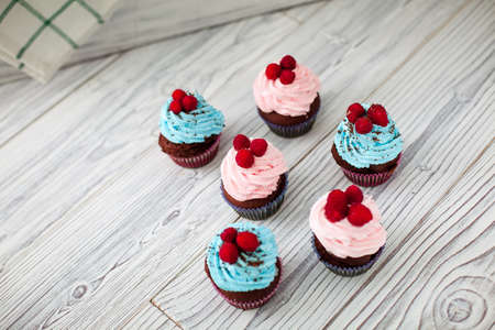 blu: cakes cupcakes sweet wooden pink blu barry Stock Photo