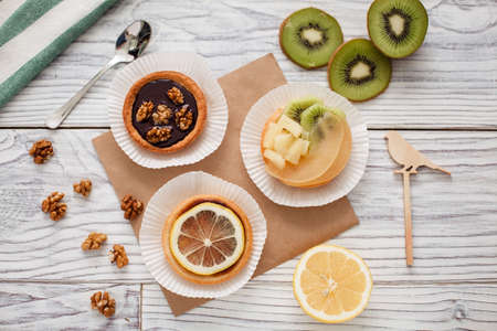 cakes fruit nuts lemon bird kiwi chocolate