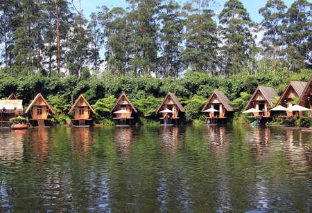 bambu: viajar en Bandung, Indonesia