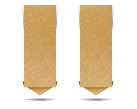 paper craft: Artesanía etiqueta de papel reciclado para hacer palo nota sobre fondo blanco. Foto de archivo
