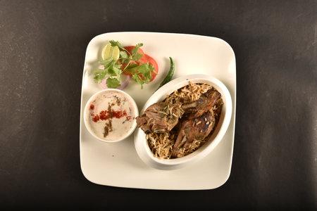 海得拉巴地鸡香饭,腿片配薄荷叶