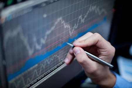 株式市場を分析します。