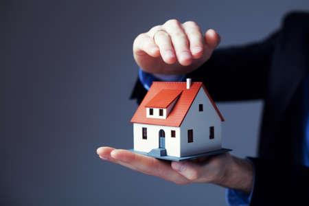 seguro: Concepto de seguro de hogar. Foto de archivo