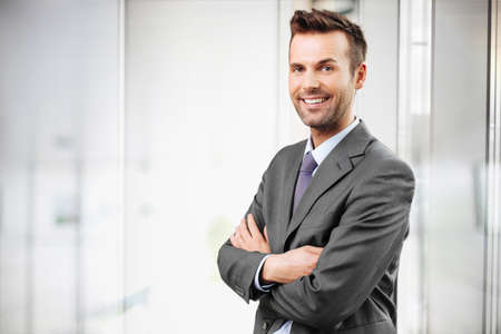 ejecutiva en oficina: Empresario retrato  Foto de archivo