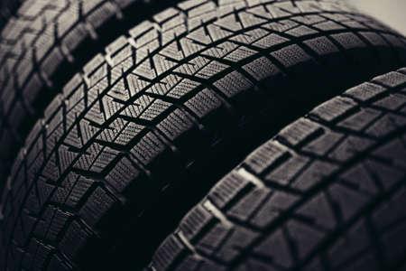 冬用タイヤタイヤタイヤのスタック 写真素材 - 96359234