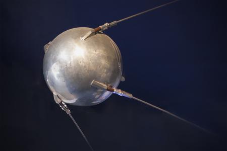 Spoetnik-close-up. Pionier in ruimtevaarttechnologie. Vintage technologie. Stockfoto
