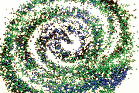 granules: A spiral design done with many small gravel made of plastic.