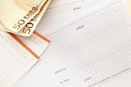 bulletins: Postal bulletins Italy to pay taxes with euro notes.