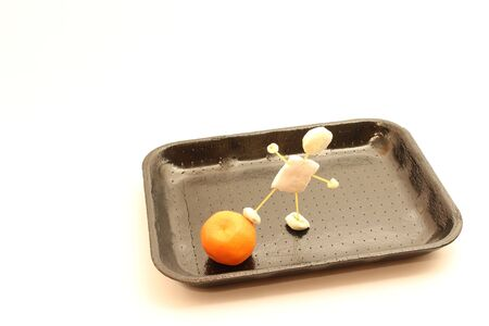 fact: Tray for food, port puppet fact of candy that pushes food, mandarin.