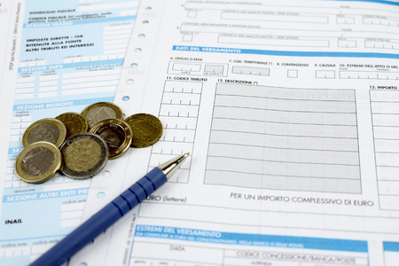 Form filling taxes in Italy unified payment Standard-Bild