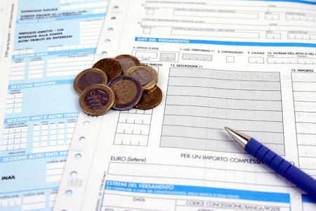 Bilden Sie Steuern in Italien einheitliche Zahlung Füllung