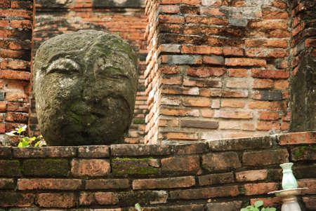 Stone Buddha Head 版權商用圖片