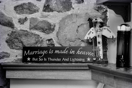 Marriage Words of Wisdom Sign 스톡 콘텐츠
