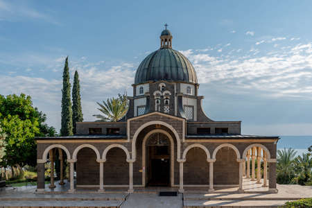 Church of the Beatitudes on the Mount of the Beatitudes above the Sea of Galilee. Banque d'images