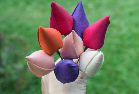 bonbonniere: silk fabric flowers in hand