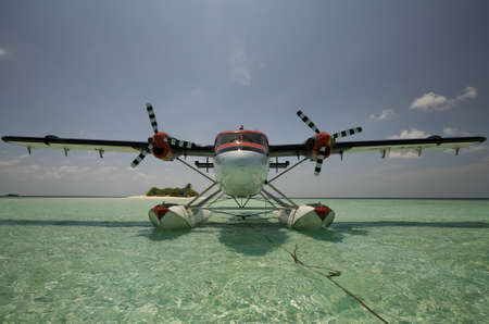 twin engine: Twin Otter Seaplane On A Picnic Stock Photo