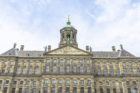 dam square: The Royal Palace in Amsterdam is situated in the west side of Dam Square in the centre of Amsterdam, Holland Editorial