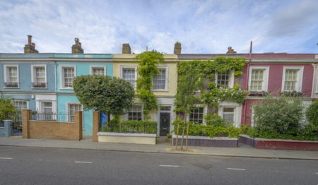 chelsea market: Pastel houses, Notting Hill - London, England Stock Photo