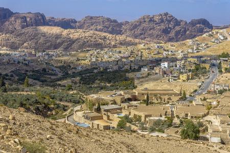 Luchtfoto van het dorp Petra in Jordanië. Stockfoto - 35085395