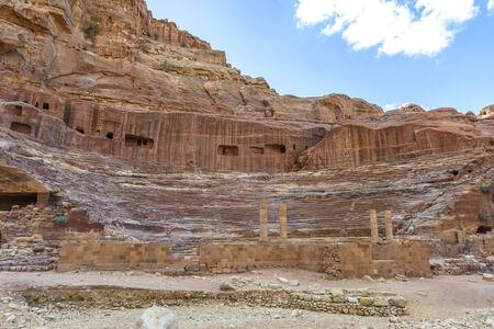 Romeinse theater arena in Nabatean stad Petra, Jordanië Stockfoto - 35087040